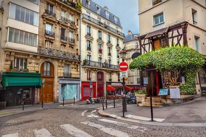 Café parisien au Montmartre